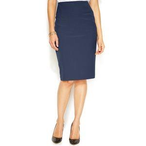 Alfani curvy fit navy blue pencil skirt size 4